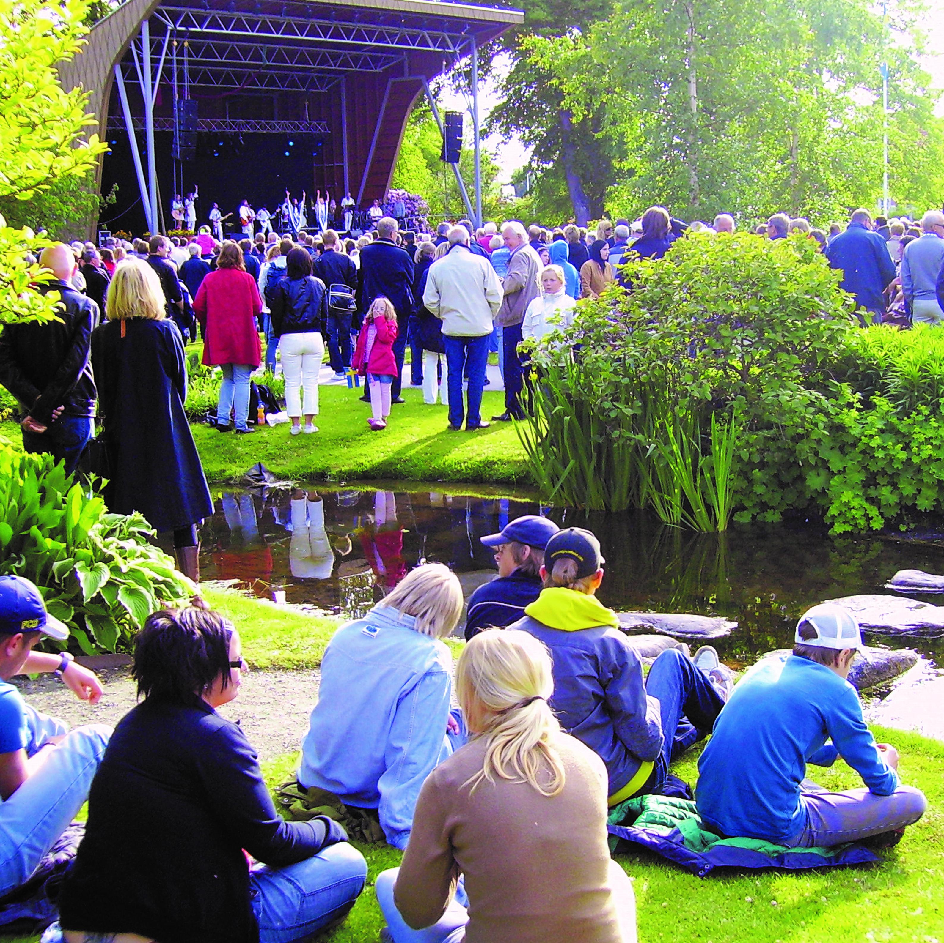 Sommar i trädgårn i Lidköping
